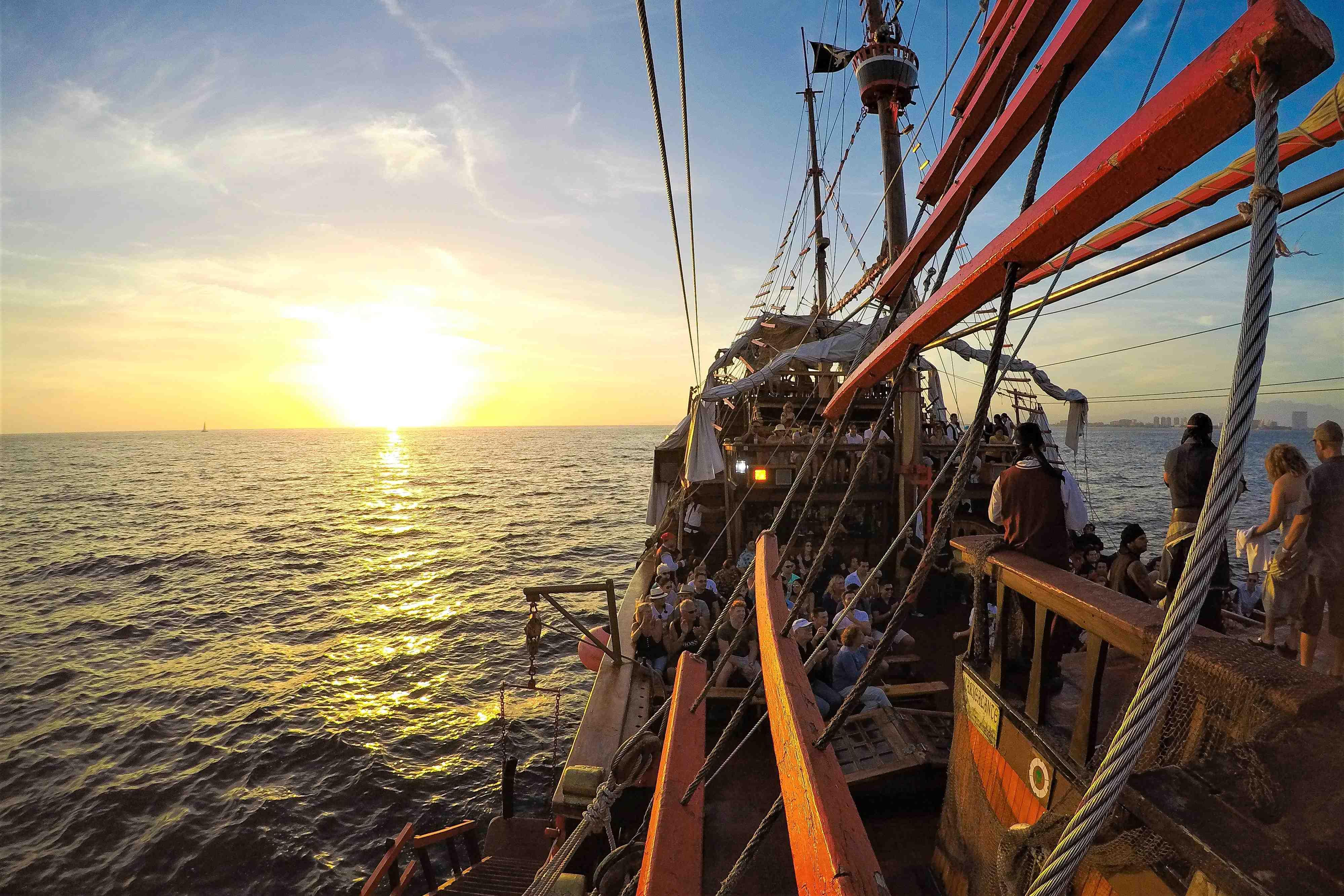 Pirate Premium Dinner Under The Sea - Last Minute Tours in Puerto Vallarta