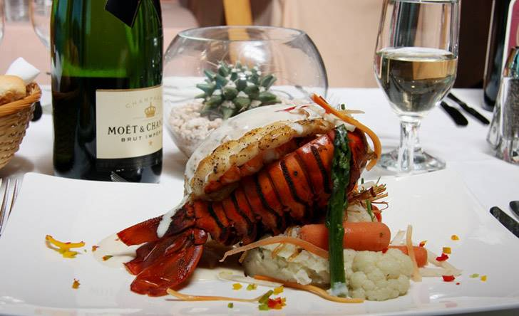 Premium Dinner  Show - Last Minute Tours in Los Cabos