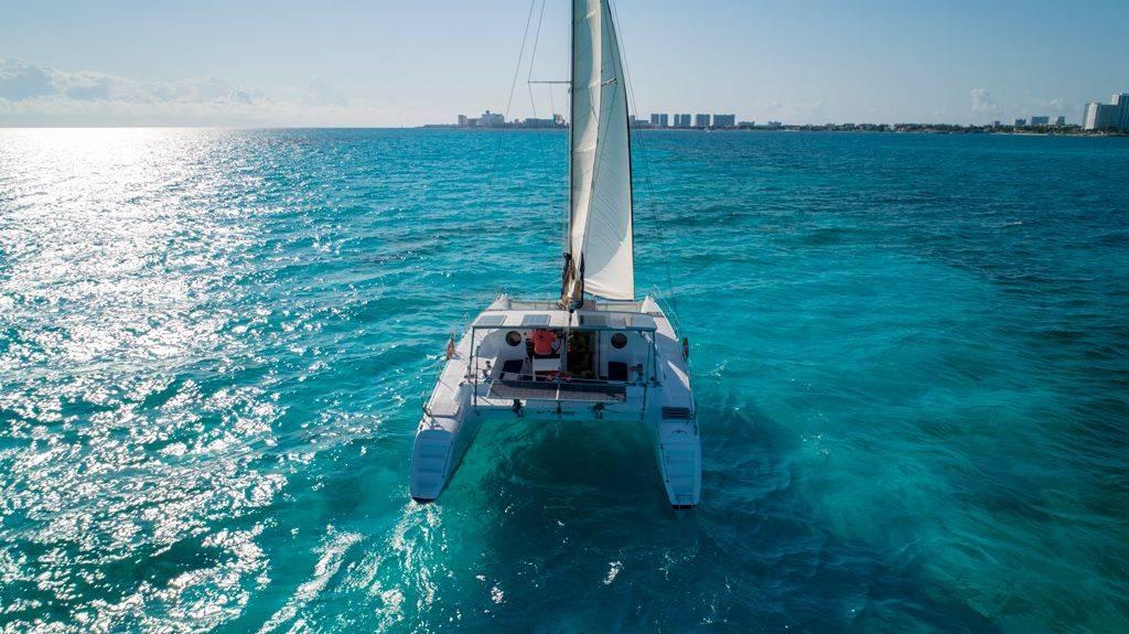 México Travel Solutions Isla Mujeres Catamaran Premium