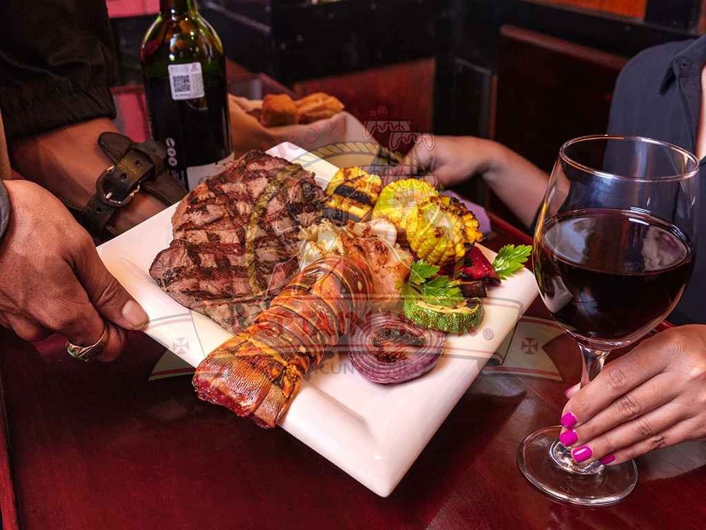 Captain Hook Surf And Turf Dinner - Last Minute Tours in Cancún and Riviera Maya