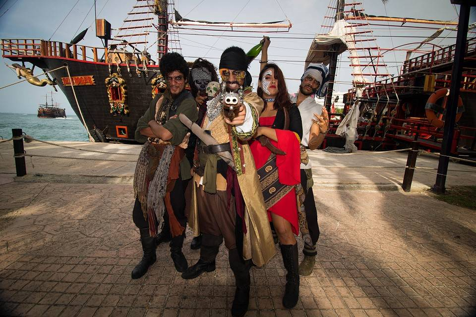 Jolly Roger Deluxe Tour - Last Minute Tours in Cancún and Riviera Maya